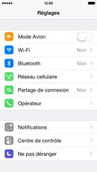 Apple iPhone 5s iOS 8 - Réseau - Sélection manuelle du réseau - Étape 3