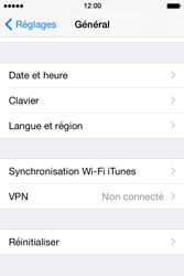 Apple iPhone 4S (iOS 8) - Aller plus loin - Restaurer les paramètres d'usines - Étape 4