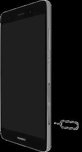 Huawei P8 Lite - SIM-Karte - Einlegen - Schritt 2