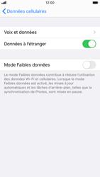 Apple iPhone SE (2020) - Internet et roaming de données - Désactivation du roaming de données - Étape 5
