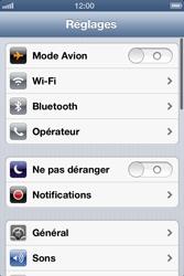 Apple iPhone 4 - Internet et roaming de données - Désactivation du roaming de données - Étape 3