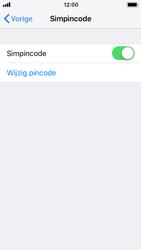 Apple iphone-se-met-ios-12-model-a1723 - Beveiliging en ouderlijk toezicht - Hoe wijzig ik mijn SIM PIN-code - Stap 12