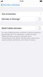 Apple iPhone SE (2020) - Internet et roaming de données - Désactivation du roaming de données - Étape 6