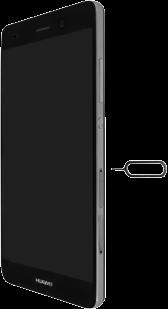Huawei P8 Lite - SIM-Karte - Einlegen - Schritt 7