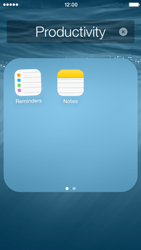Apple iPhone 5c - iOS 8 - Getting started - Personalising your Start screen - Step 5