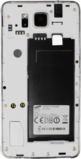 Samsung G850F Galaxy Alpha - Primeros pasos - Quitar y colocar la batería - Paso 4