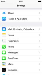 Apple iPhone 5s - iOS 8 - E-mail - Manual configuration (yahoo) - Step 3