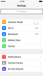 Apple iPhone 5s iOS 9 - Internet and data roaming - How to check if data-connectivity is enabled - Step 3
