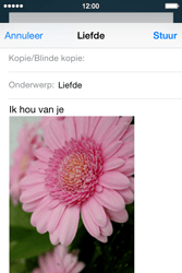 Apple iPhone 4s iOS 8 - E-mail - Bericht met attachment versturen - Stap 14