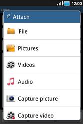 Samsung S5660 Galaxy Gio - E-mail - Sending emails - Step 9