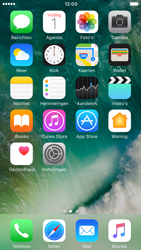 Apple iPhone 6s iOS 10 - iOS features - Verwijder en herstel standaard iOS-apps - Stap 1