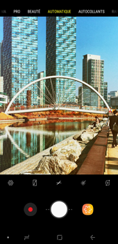 Samsung Galaxy J4+ - Photos, vidéos, musique - Prendre une photo - Étape 11