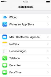 Apple iPhone 4S (iOS 8) - e-mail - handmatig instellen - stap 3