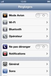 Apple iPhone 4 - Internet et roaming de données - Configuration manuelle - Étape 4
