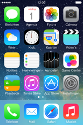 Apple iPhone 4 iOS 7 - e-mail - handmatig instellen - stap 1