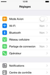Apple iPhone 4S (iOS 8) - Aller plus loin - Désactiver les données à l'étranger - Étape 3