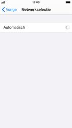Apple iPhone SE - iOS 13 - Netwerk - Handmatig een netwerk selecteren - Stap 6