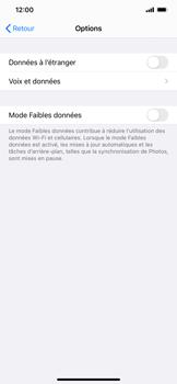 Apple iPhone 11 - iOS 14 - Internet et roaming de données - Désactivation du roaming de données - Étape 6