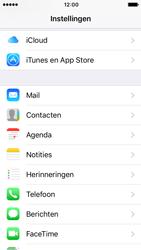 Apple iPhone SE met iOS 10 (Model A1723) - Contacten en data - Contacten kopiëren van SIM naar toestel - Stap 3