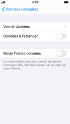 Apple iPhone SE - iOS 13 - Internet et roaming de données - Désactivation du roaming de données - Étape 6